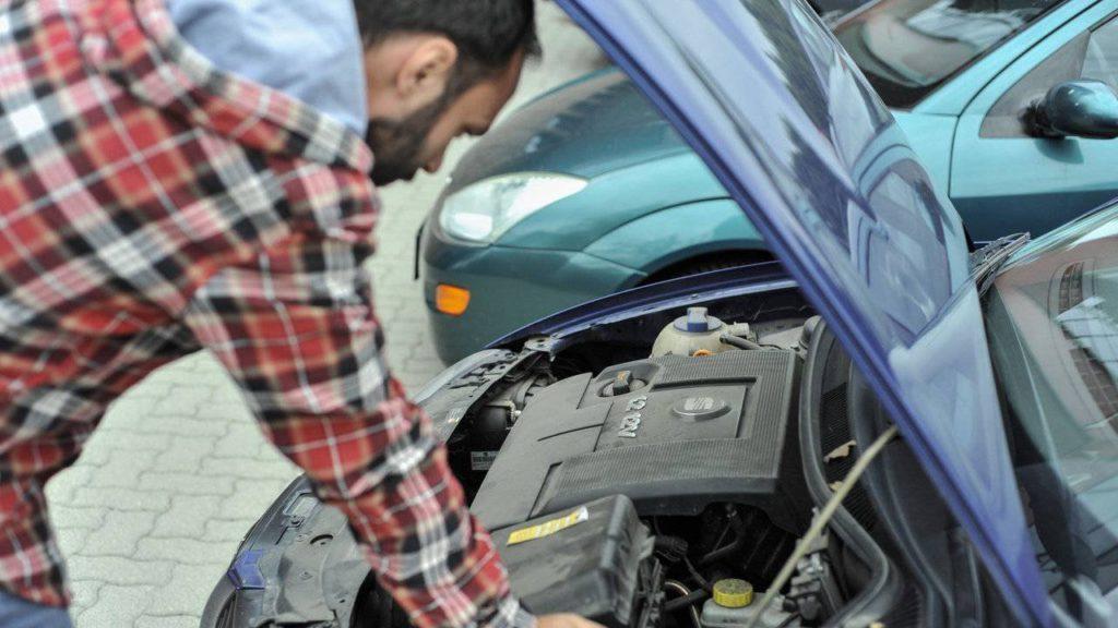 Egy vízkáros autó megvásárlása a későbbiekben sok problémát fog okozni!