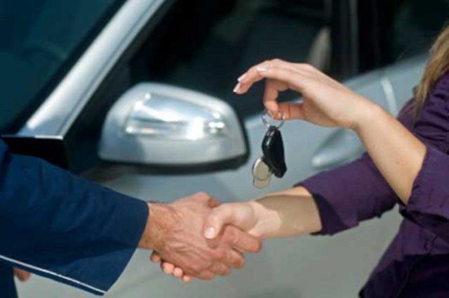 A használt autó vásárlásnak számtalan buktatója van, amelyekre mindenképp figyelni kell!