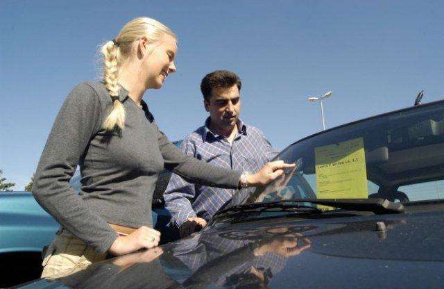 Az autó üvegeit is mindenképp célszerű ellenőrizni!