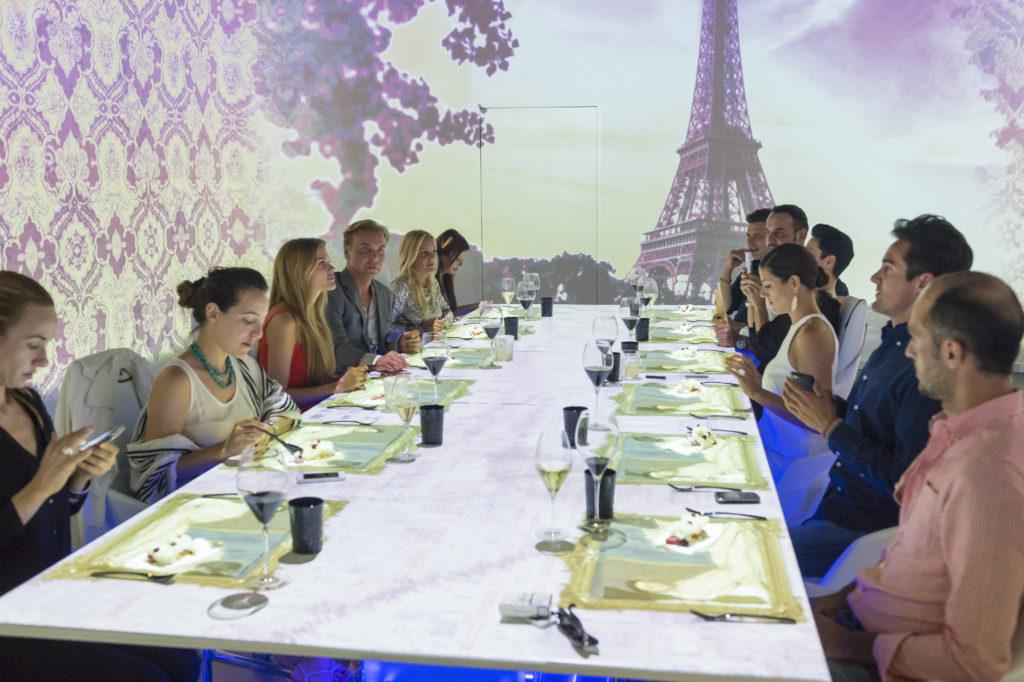 A SubliMotion a világ legdrágább étterme, ahol interaktív show kíséri végig a vacsorát.
